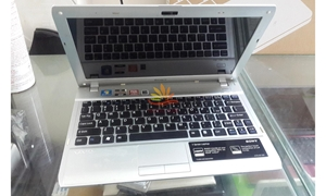 Laptop Mini Sony Vaio VPCYB 35AG