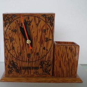 Đồng hồ chữ nhật bằng gỗ dừa