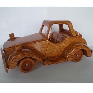 Mô hình xe ô tô bằng gỗ dừa