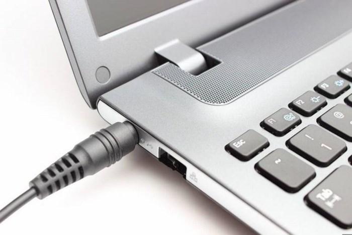 Laptop chai pin, chóng hỏng vì những thói quen hầu như ai cũng mắc phải!